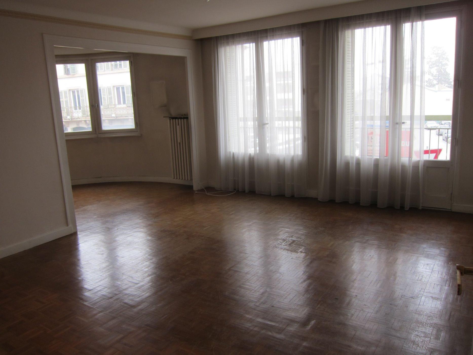 Kit Salle De Bain Pour Caravane ~ vente spacieux t4 avec cave grenier et garage